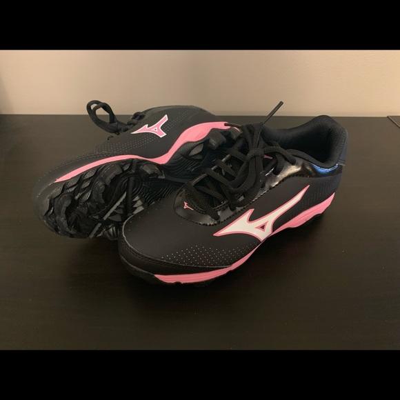 d2ab8c0f47a7 Mizuno Shoes | Girls Softball Cleats | Poshmark
